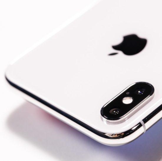 iPhoneの標準カメラの設定や使い方、隠された便利機能をご紹介!